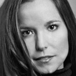 Jennifer Mathews Headshot